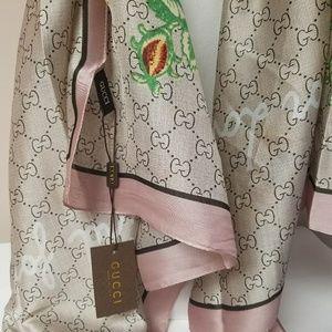 New large silk Gucci scarf